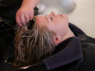 Como hidratar o cabelo com luzes