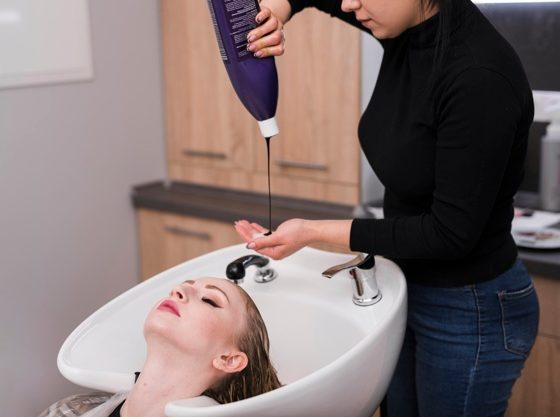 Como-esfumar-a-raiz-do-cabelo